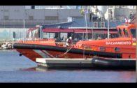 Rescatadas tres personas en un kayak cuando intentaban cruzar el Estrecho