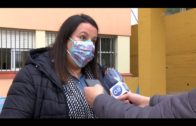 """Ruiz supervisa las labores de mantenimiento que el Ayuntamiento realiza en el colegio """"Los Arcos"""""""