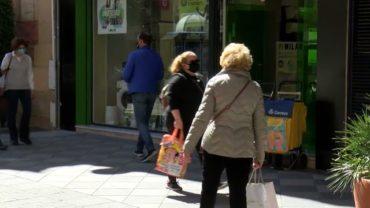 Andalucía registra 2.590 casos,  17 muertes y sube 17 puntos su tasa hasta 180