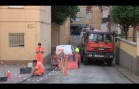 Emalgesa acomete tareas de limpieza en la barriada Sierras de España