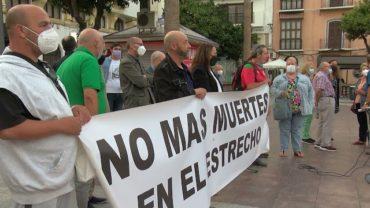 Asociaciones se concentran en Algeciras para exigir «No más muertes en el Estrecho»